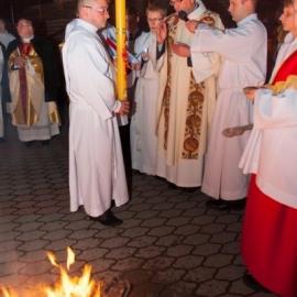 liturgia_wigilii_paschalnej_20130402_1283559475
